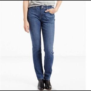 Levis Perfect Waist 525 Straight Leg Medium Wash